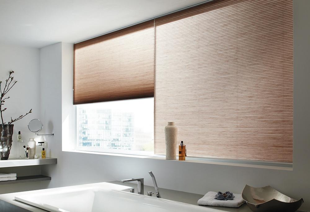 Duettegardiner i badrum